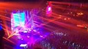 伍佰演唱会以《再度重相逢》作为压轴,歌迷久久不愿散场