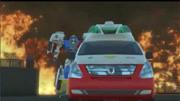 咖宝车神第1季:情况太危险了,热舞弗龙跟伤员